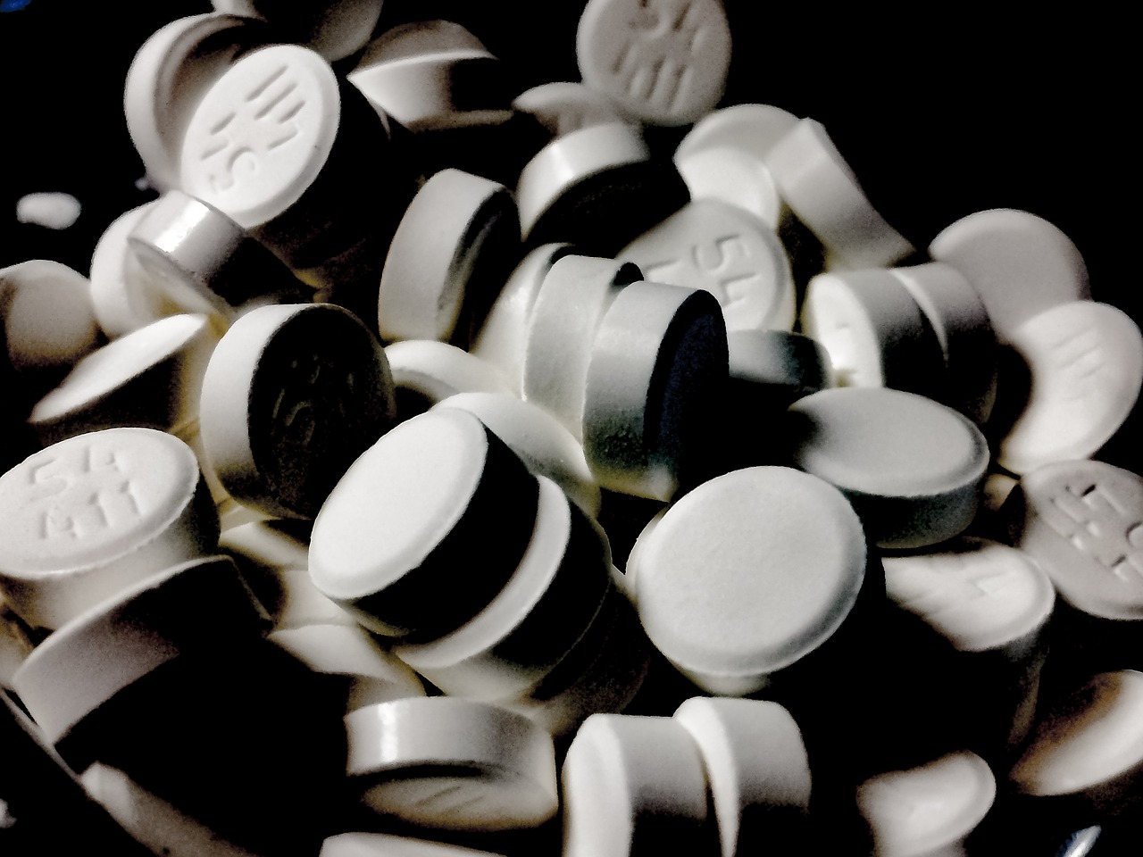 A pile of buprenorphine sublingual tablets.